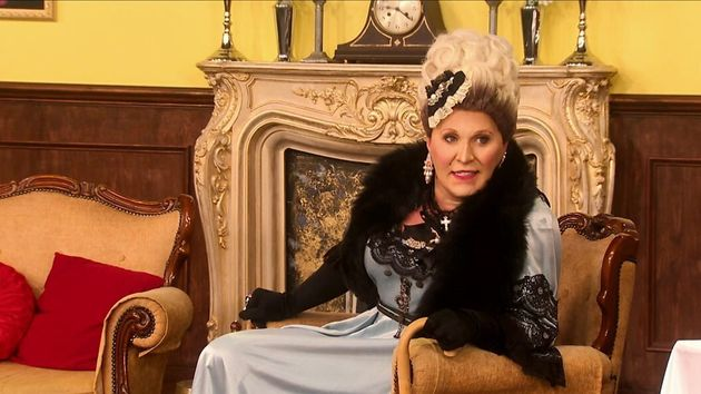 The queens took on the Downton Draggy acting