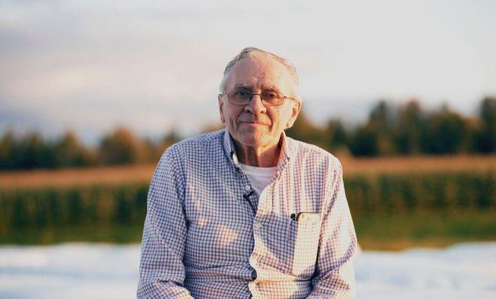 Le producteur laitier retraité Bertrand Boutin milite en faveur du candidat conservateur Richard Lehoux.