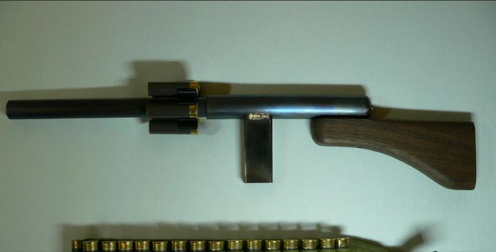 "A ""slam-bang"" tube, purportedly cobbled together and used by the shooter in Germany."