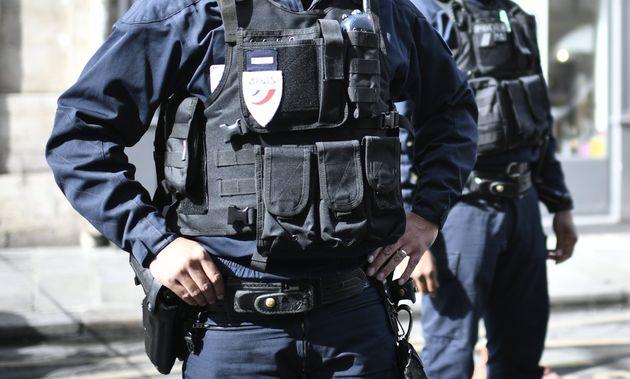 Deux policiers soupçonnés de radicalisation ont été désarmés...