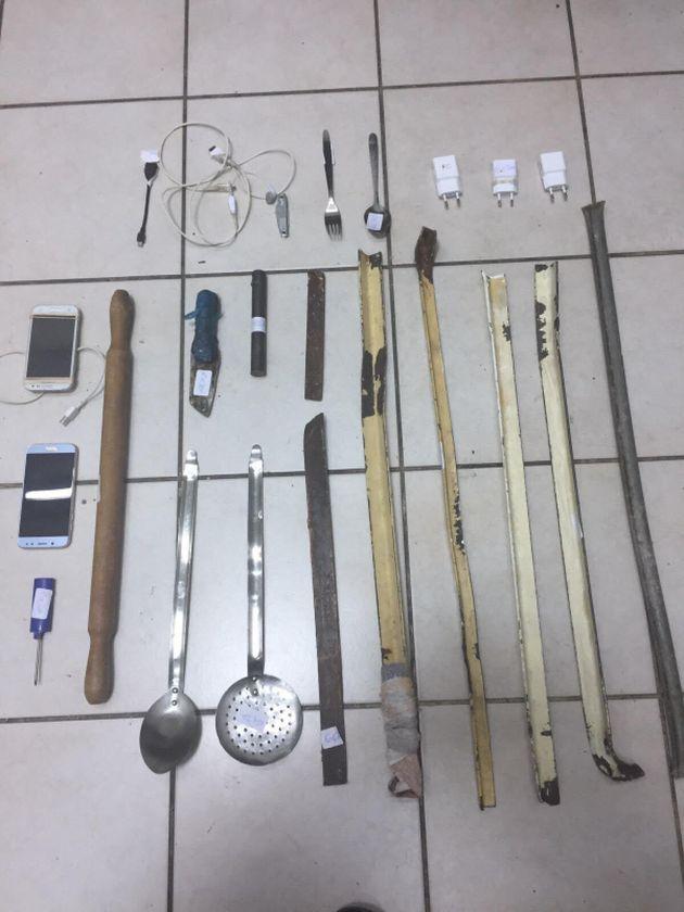 Έφοδος σε κελιά στις φυλακές Κορυδαλλού: Βρέθηκαν μαχαίρια, ρόπαλα και
