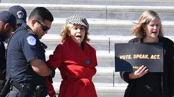 L'attrice Jane Fonda arrestata a Washington durante una manifestazione per il