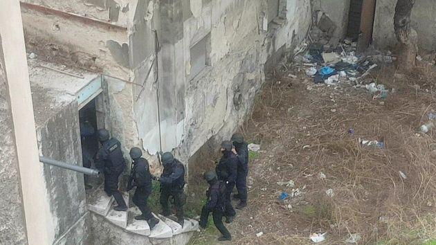 «Κάστρο» ναρκέμπορων δίπλα από την ΑΣΟΕΕ: Οι φύλακες, οι «βάρδιες» και οι