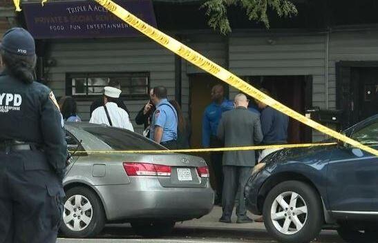 Τέσσερις νεκροί και τρεις τραυματίες μετά από πυροβολισμούς στο