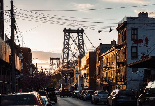 New York, sparatoria a Brooklyn: 4 morti e 3