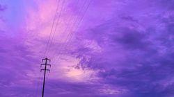 As impressionantes imagens do 'céu violeta' no Japão antes do tufão