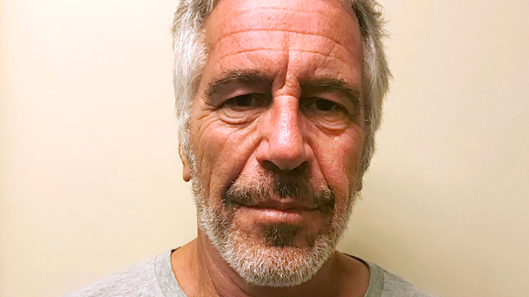 Westlake Legal Group 5da22970210000c3073449bd Epstein Likened Underage Sex Charges To 'Stealing A Bagel': Report