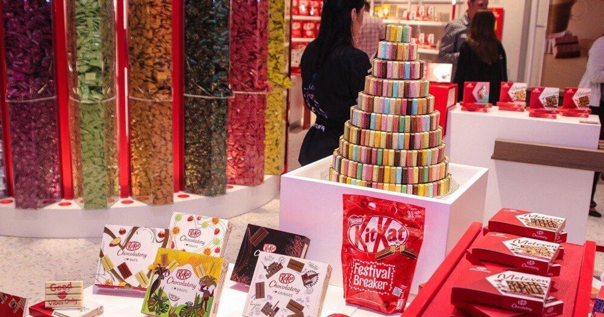 KitKat Chocolatory: Loja só de KitKat tem torre de chocolate e 18 sabores 'diferentões'