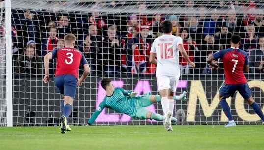 Un penalti en el descuento aplaza la clasificación de España para la Eurocopa