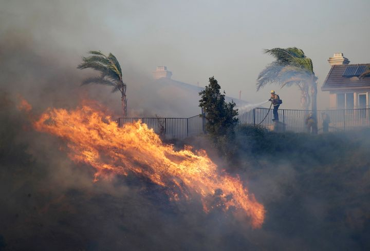 Westlake Legal Group 5da253df2100005009acd656 Southern California Wildfires Linked To 3 Deaths, Officials Say