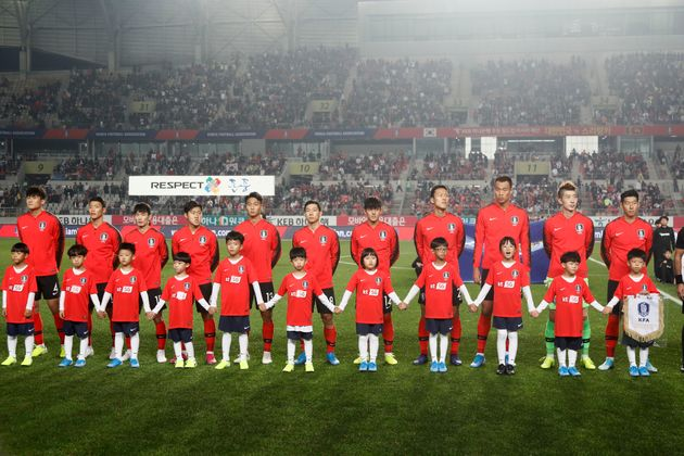 South Korea Players stand pose during an FIFA WORLD CUP QATAR 2022 AFC ASIAN CUP 2023 Preliminary Joint...