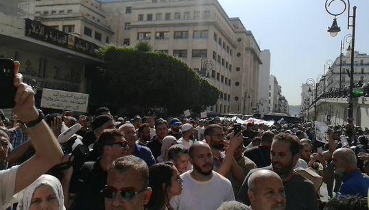 Avant projet de loi sur les hydrocarbures: importante manifestation de protestation devant le siège de