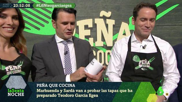 El regalo de Teodoro García Egea a Iñaki López en 'LaSexta
