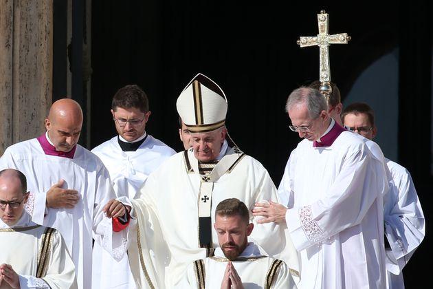 Santa Dulce: Veja fotos da cerimônia de canonização da 1ª santa