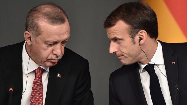 Emmanuel Macron, ici avec Recep Tayyip Erdogan à Istanbul en octobre 2018, a présidé un conseil restreint...