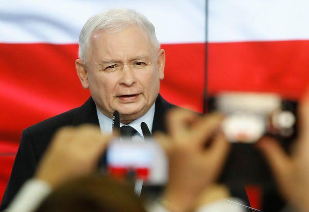 Polonia fedele a Kaczynski, maggioranza assoluta ai