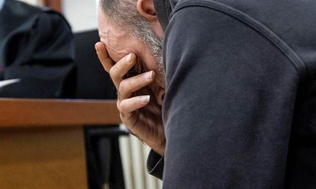 C.P.F. acusado de asesinato por rociar con gasolina y prender fuego a su