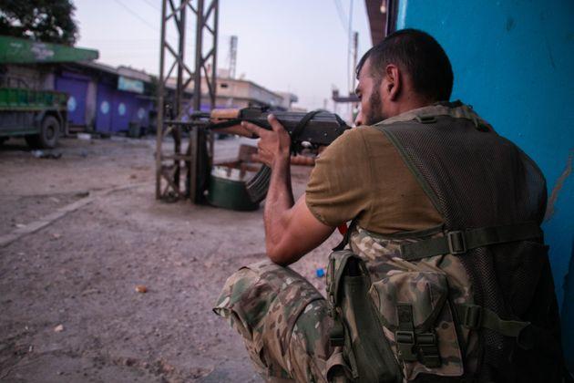 Le truppe turche pronte ad attaccare Kobane: si attende l'ordine di