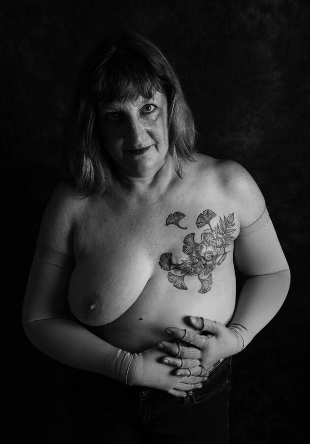 Alison Meaton, 59, de West Cornwall, foi diagnosticada com câncer de mama estágio 3 quando...