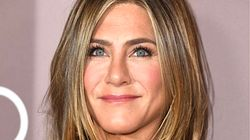 Jennifer Aniston Disses Marvel. Twitter Says She's Super