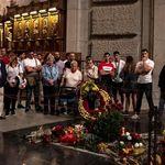 La familia Franco pide misa y honores militares para la