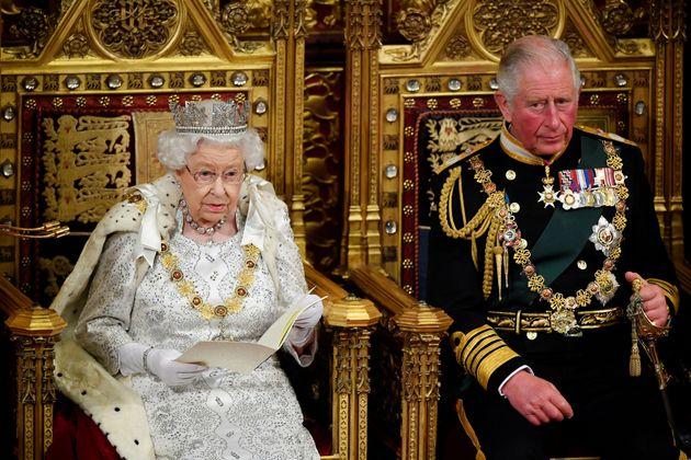 Queen's Speech svuotato di senso e senza messaggi politici.