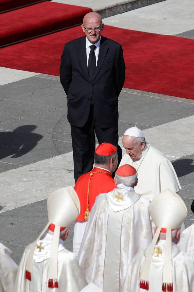Il Papa accetta le dimissioni di Giani. Timori di un nuovo