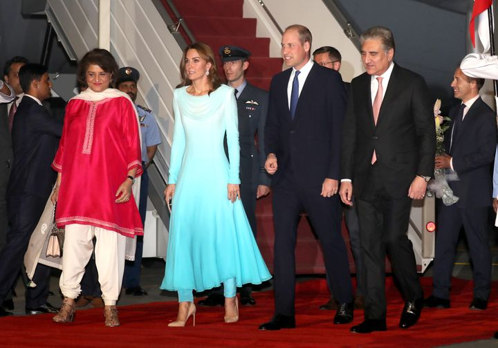 The two stepped off the plane and onto the red carpet.