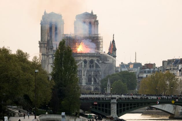 La cathédrale Notre-Dame-de-Paris en flammes, le 15 avril