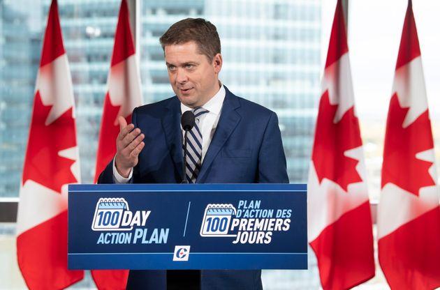 Andrew Scheer a tenu une conférence de presse à Winnipeg, lundi