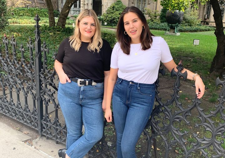 """HuffPost Finds Editors&nbsp;<a href=""""https://www.instagram.com/brittany_nims/"""" target=""""_blank"""" rel=""""noopener noreferrer"""">Brittany Nims</a>&nbsp;(left) and <a href=""""https://www.instagram.com/daniellekgonzalez/"""" target=""""_blank"""" rel=""""noopener noreferrer"""">Danielle Gonzalez&nbsp;</a>(right) wore the same style of T-shirt for a week."""