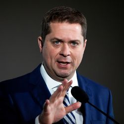 Scheer Called Out For Campaigning In Winnipeg Amid Storm Recovery