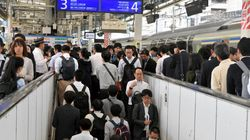 JR武蔵小杉駅で大混雑 改札まで30分 ビル半周の列