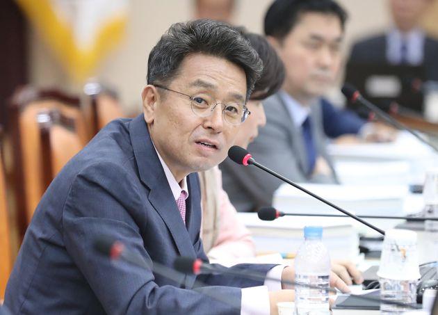 이철희 민주당 의원이 갑자기 불출마 선언을 한 이유