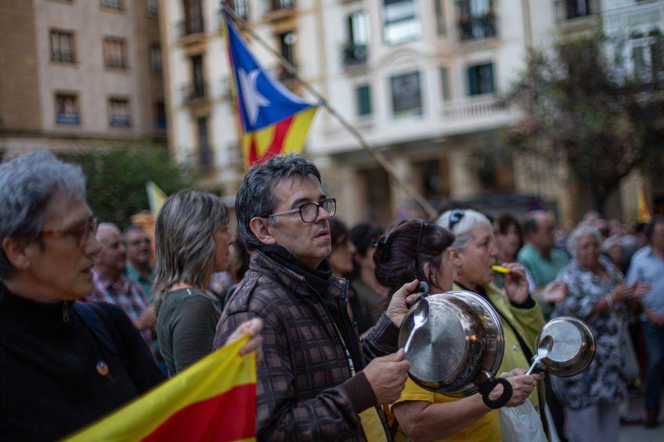 카탈루냐 분리독립 지도자들에게 중형이 선고됐고, 주민들이 거리로