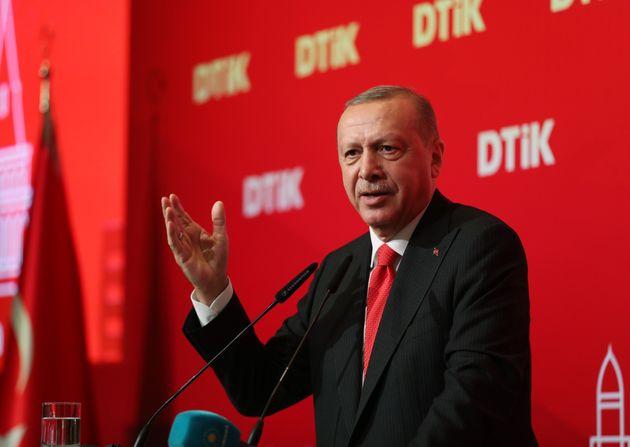 Ερντογάν: Η Τουρκία θα εμποδίσει τους μαχητές του ISIS να φύγουν από τη