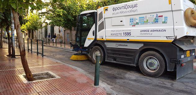 Γενικός καθαρισμός στην οδό Αντωνιάδου, δίπλα στην ΑΣΟΕΕ, από τον Δήμο