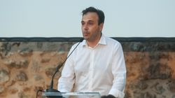 Ο Ελληνας δήμαρχος που ζήτησε συγγνώμη και ανακοίνωσε δωρεάν νερό σε δημότες επειδή καθυστέρησε