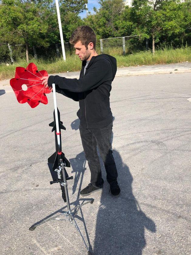 Κωνσταντίνος Σαραντόπουλος: Ο Ελληνας μαθητής που κατασκεύασε τον πρώτο πύραυλο για καλό