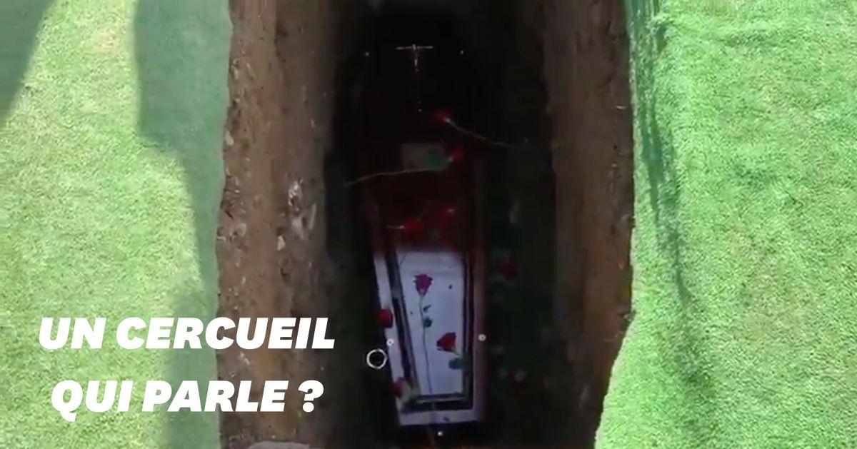 Un homme intervient à ses propres funérailles