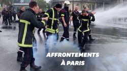 Des pompiers repoussés par des canons à eau en marge de leur
