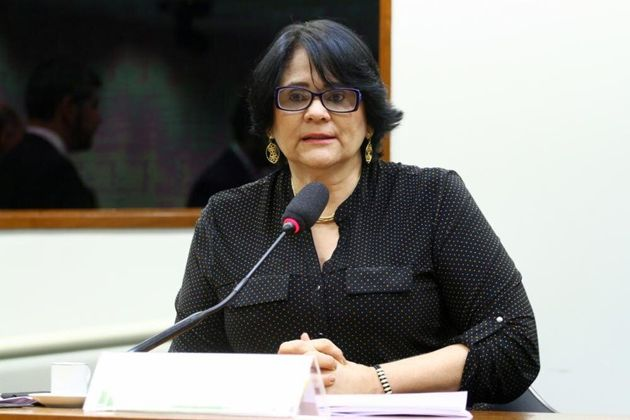 Proposta de Damares proíbe que pessoas que estejam cumprindo pena por violar o Estatuto da Criança...