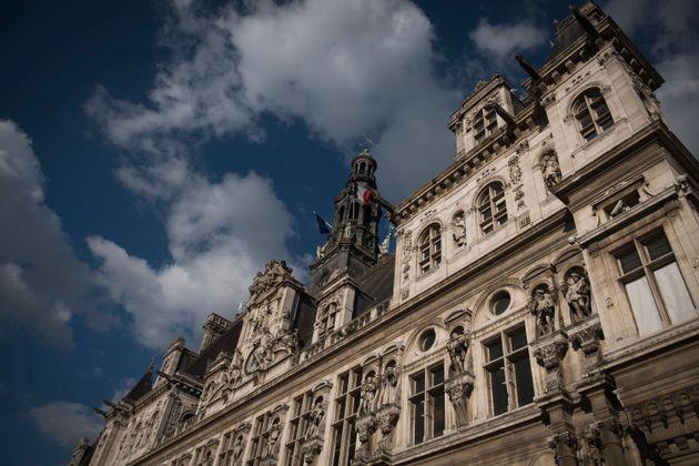 La maire PS de Paris, Anne Hidalgo, remettra son mandat en jeu en mars