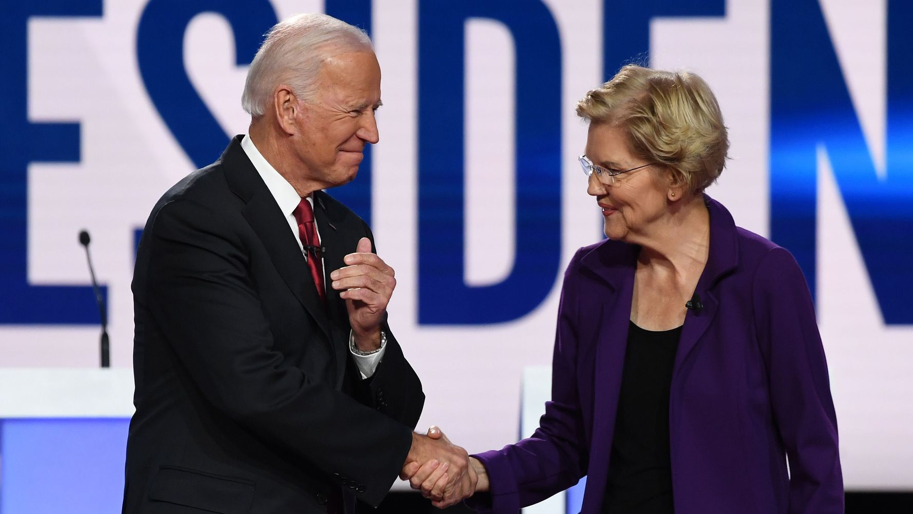 Democratic Candidates Turn Fire On New Front-Runner Elizabeth Warren