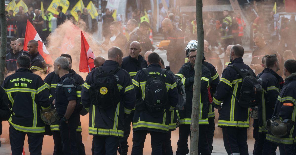 Pendant la manifestation des pompiers, les images des face-à-face avec la police indignent l'opposition