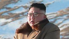 Korea utara Baru masuk Akal Propaganda Pics Of Kim Jong Un Kacau