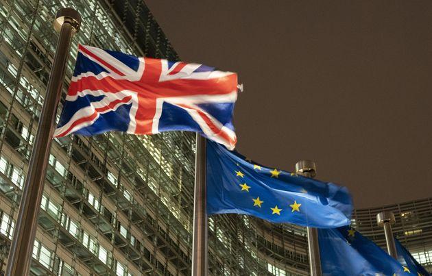 Les drapeaux britanniques et de