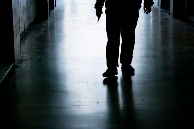 Scarcerato, torna a rapinare lo stesso negozio dopo due giorni: