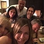 È tempo di reunion per Friends? Il post su Instagram di Jennifer Aniston fa sperare i