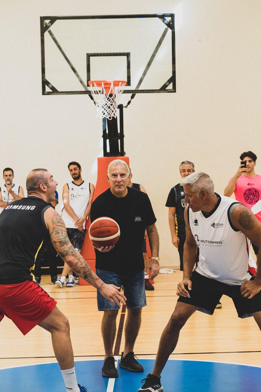 Τζάμπολ από τον hall of famer Νίκο Γκάλη στο τουρνουά μπάσκετ 4on4 by